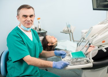 Emergency dentist in San Diego, CA